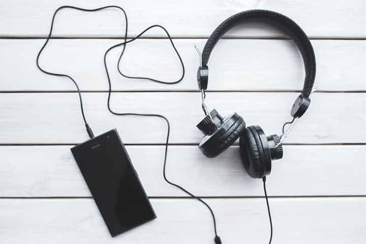 How to Clean in-Ear Headphones