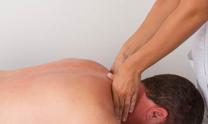 Frozen neck and massage treatment