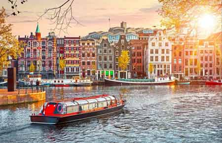 How to hire the canal boat