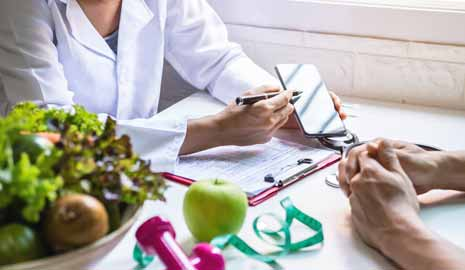 What is the Difference Between A Health Coach and a Nutritionist