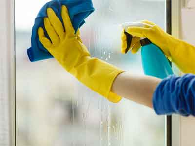 How Commercial Window Cleaning Gold Coast works